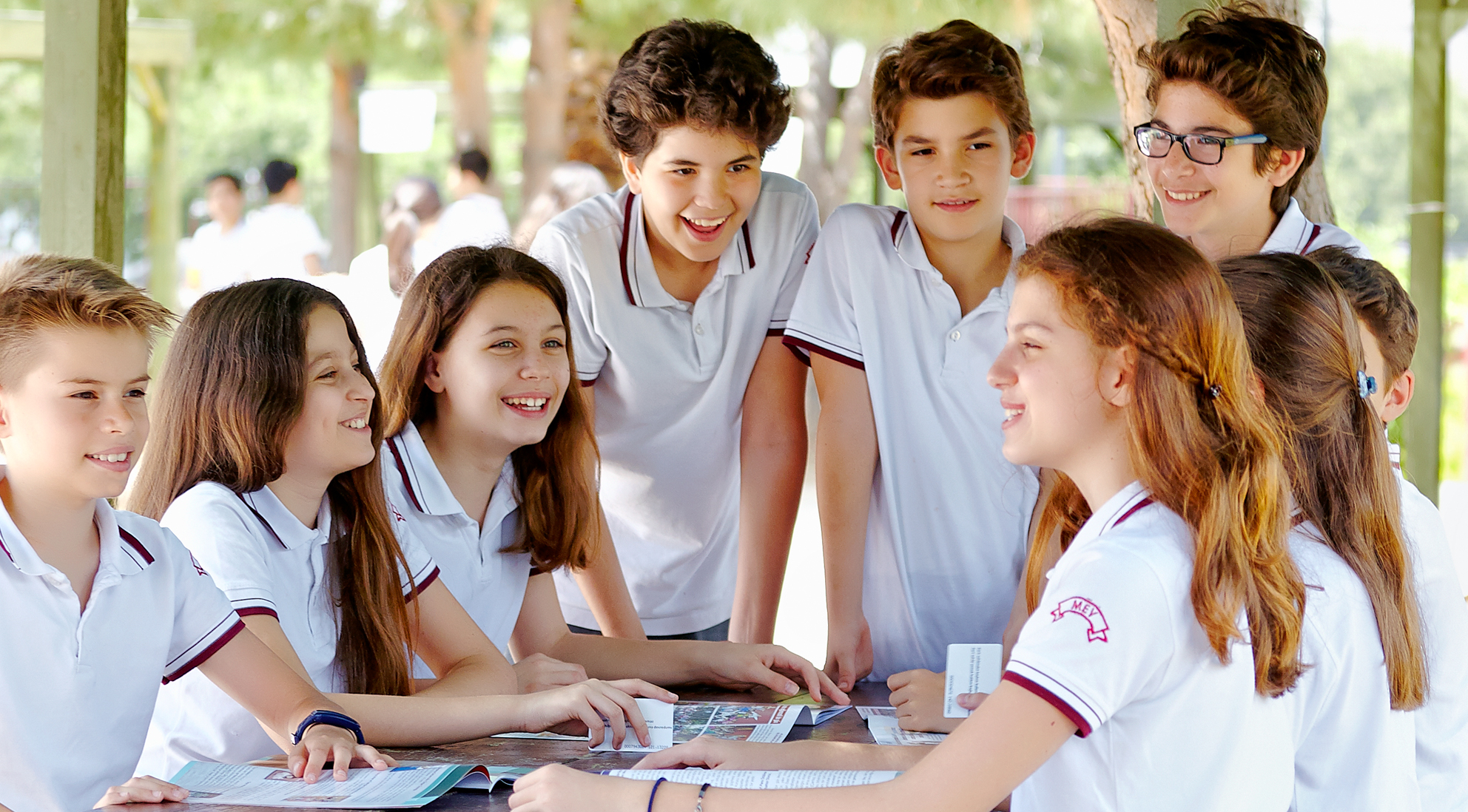 MEV Koleji Öğrencileri