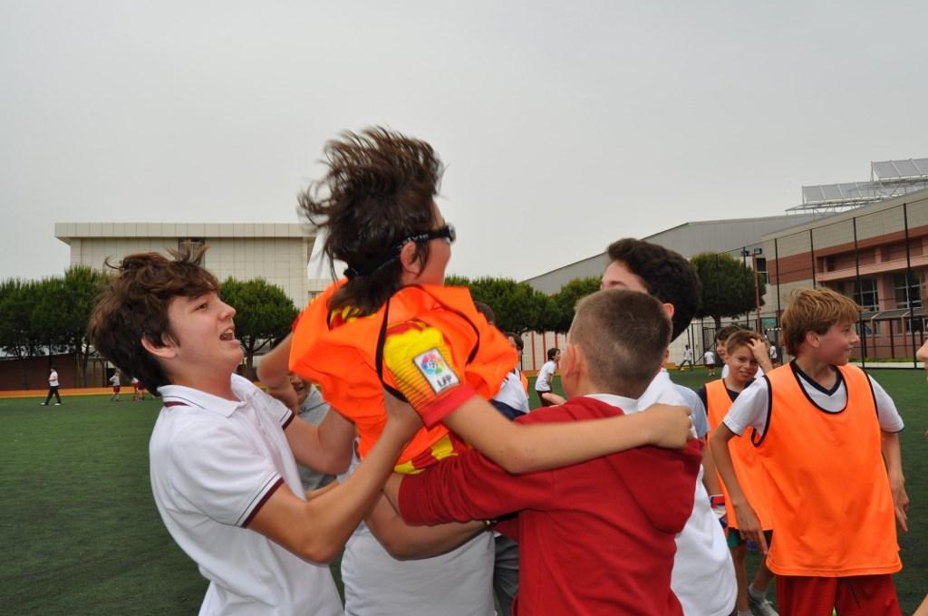 6. Sınıflar Futbol Turnuvasının Galibi 6-D