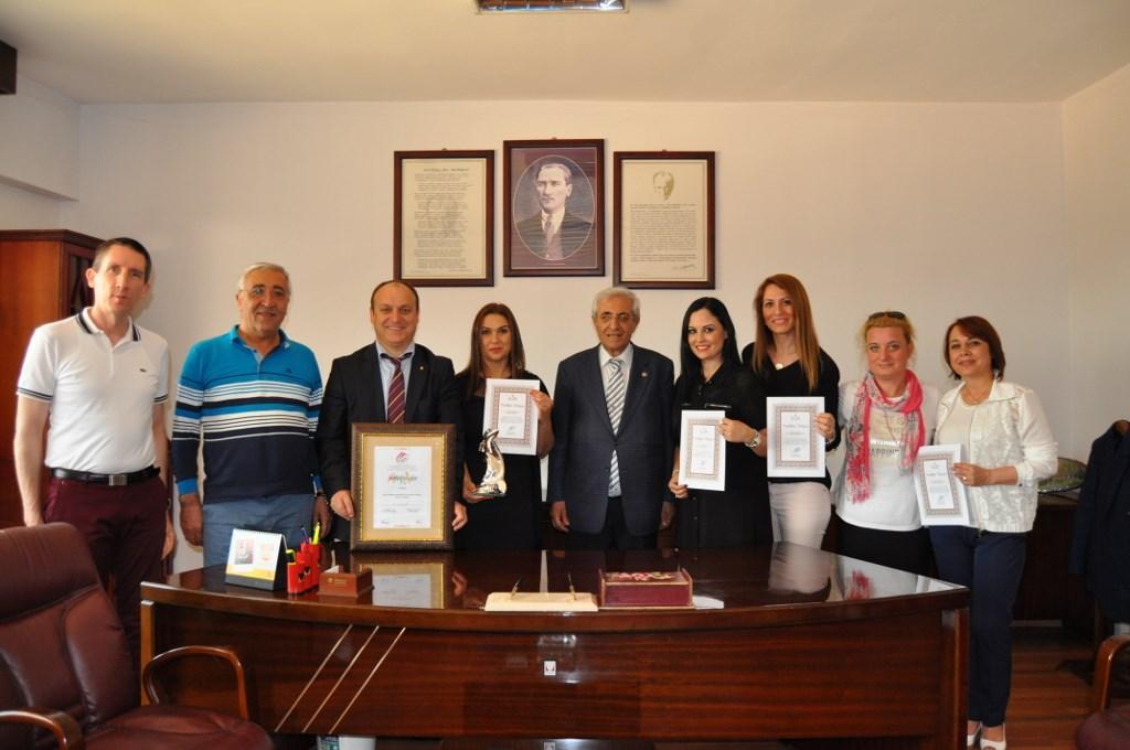 MEV Yönetim Kurulu Başkanı İhsan Özçukurlu'dan Öğretmenlerimize Övgü