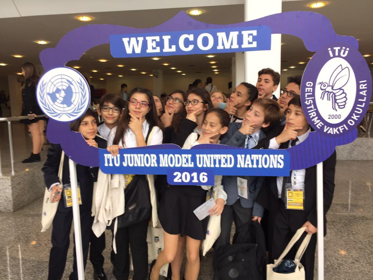 JMUN Kulübü öğrencilerimiz mülteci haklarını savunuyor