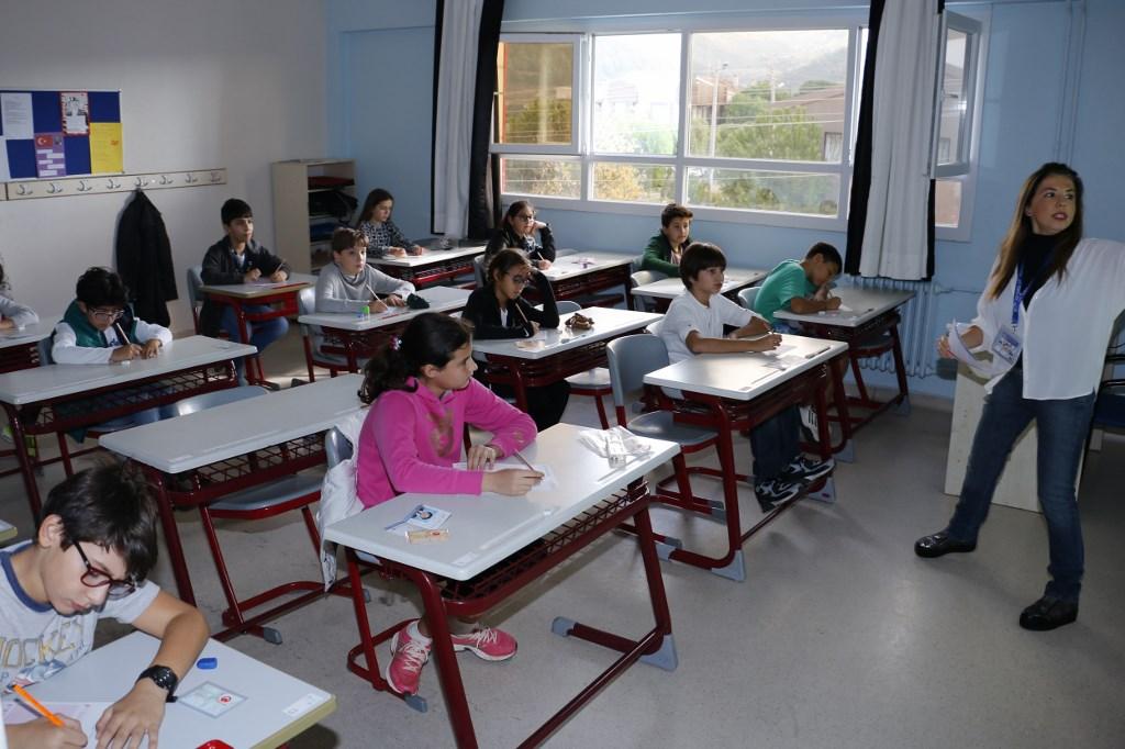 İngilizce Yeterliliklerini Uluslararası Ölçütlere Göre Test Ettiler