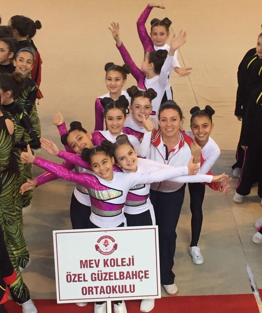 Küçük Kızlar Step Aerobik Takımı İzmir Dördüncüsü