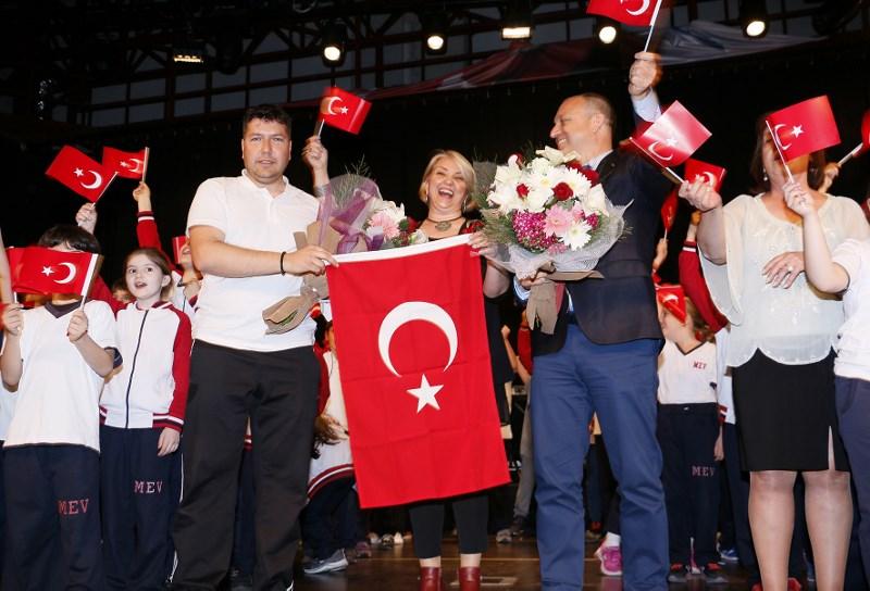 Yedi Bölge Dört Mevsim Anadolu'yu Sahneye Taşıdılar