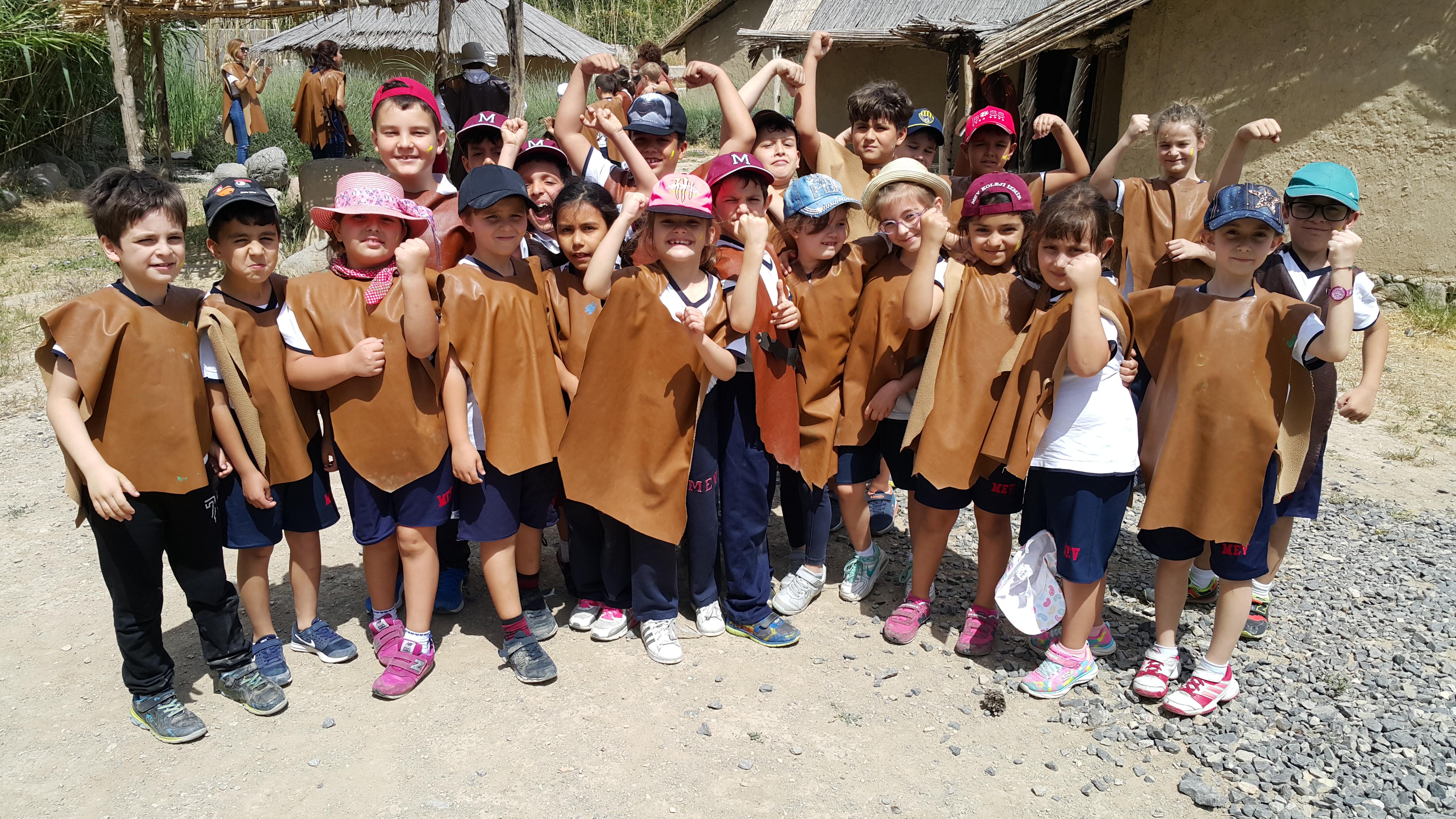 2. Sınıflarımız da Yeşilova Höyüğü'ndeydi
