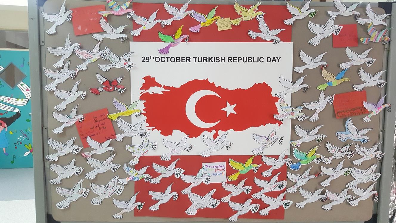 Atatürk ve Cumhuriyet Sevgilerini Kuşların Kanadına İşlediler