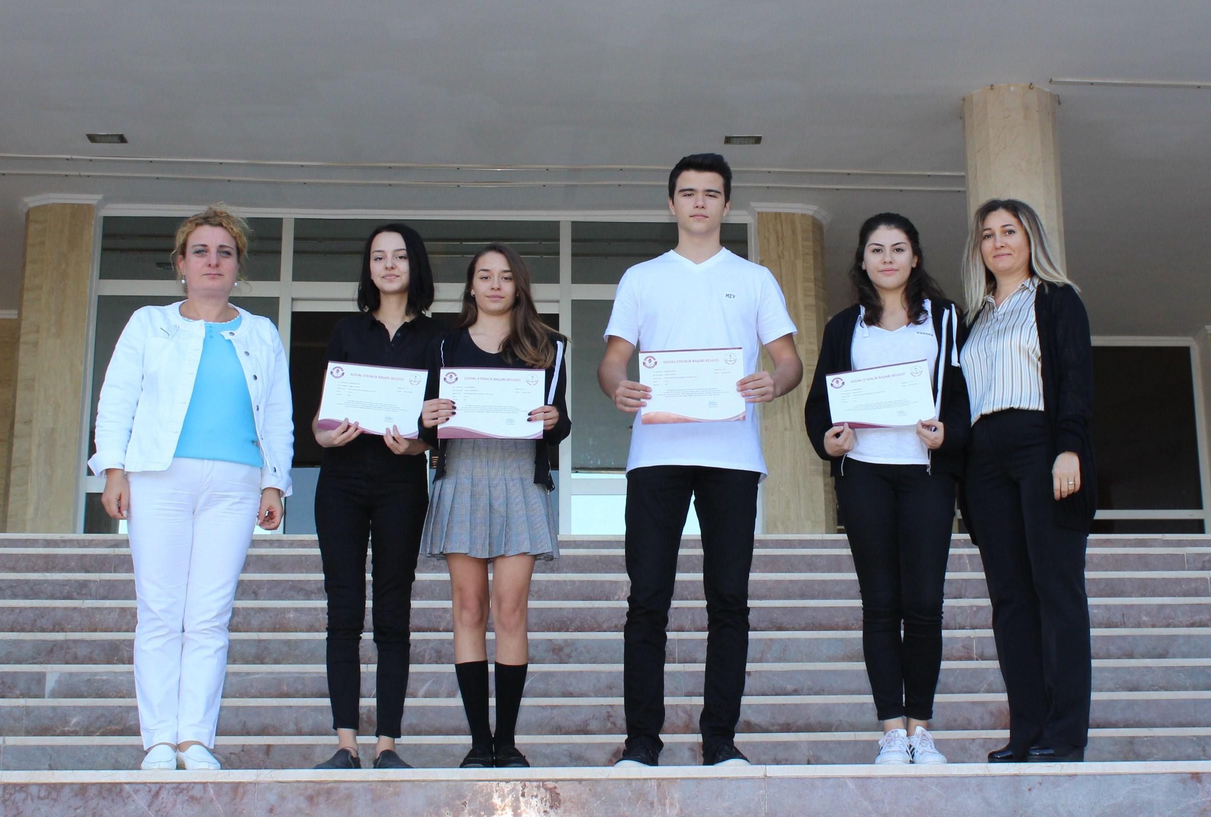 Genç Dehalar'ı Arkadaşları ve Öğretmenleri Alkışladı