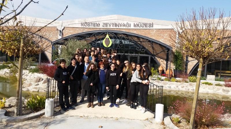 Köstem Zeytinyağı Fabrikasını Gezdiler