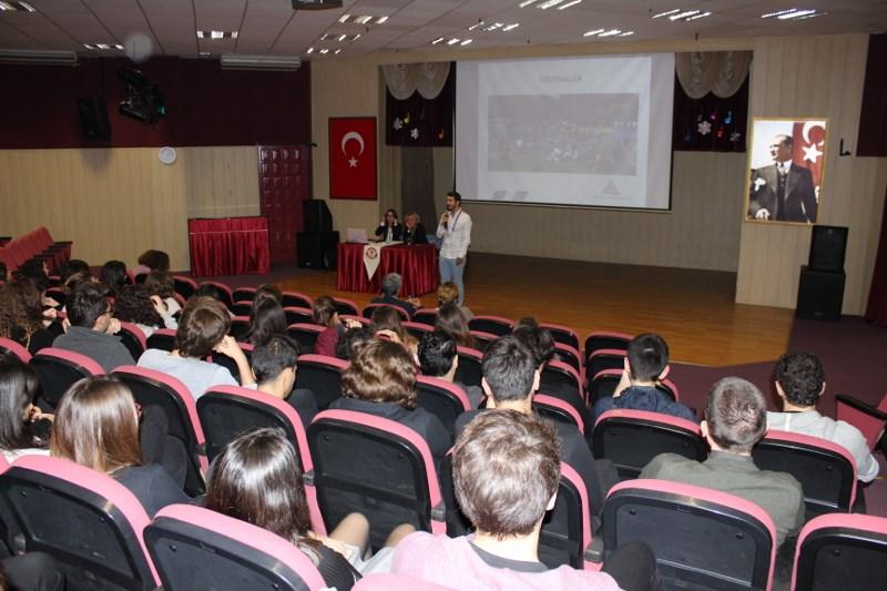 12. Sınıflarımız Yeditepe Üniversitesini Tanıdı