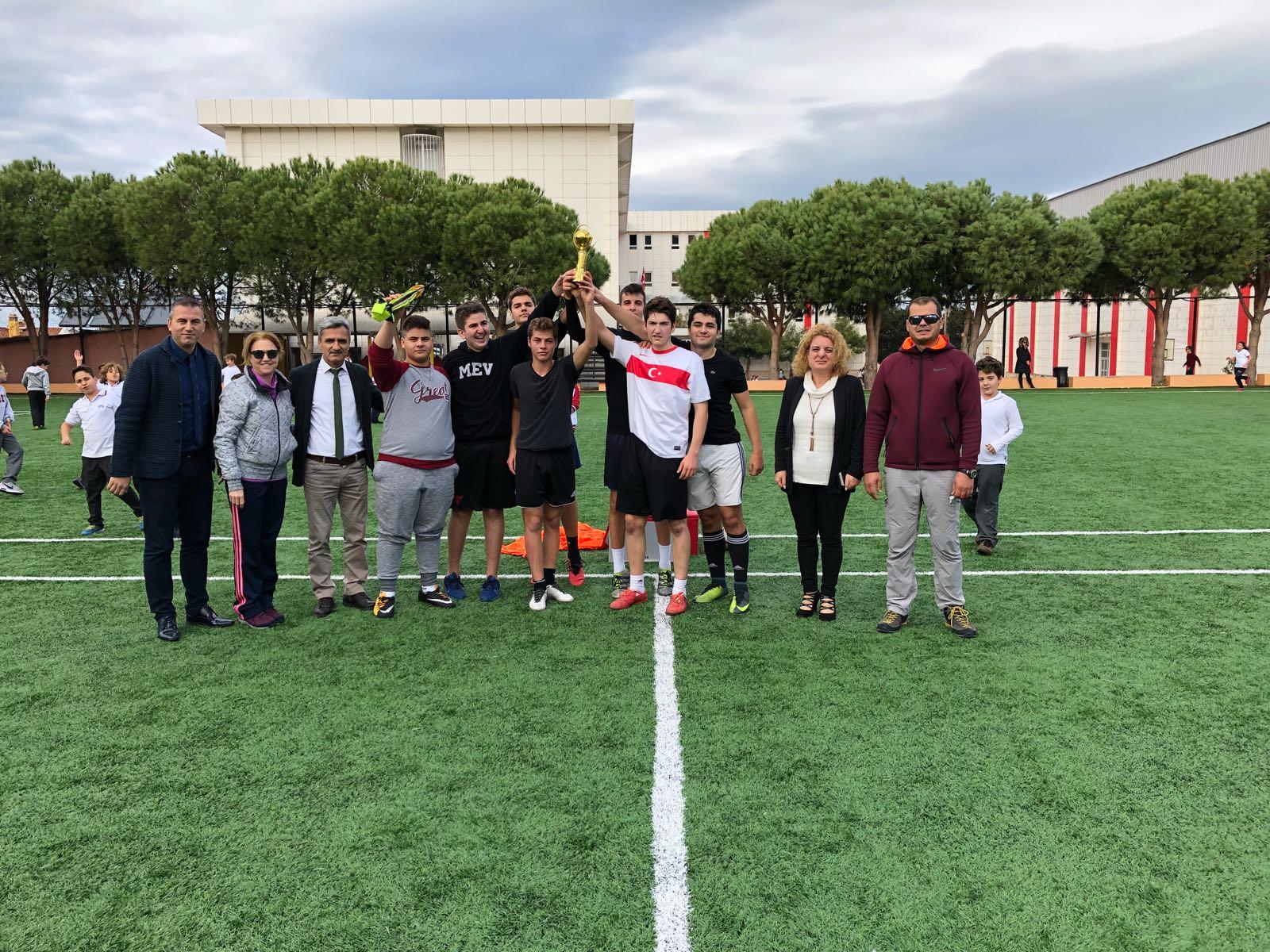 Öğrencilerimiz Kampüs İçindeki Spor Alanlarının Hakkını Veriyor