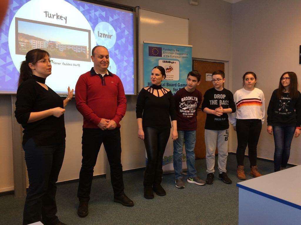 Erasmus + Ekibimiz Projelerini ve Okulumuzu Tanıttılar