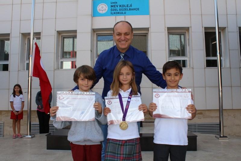 Türkiye Dereceli Üç MEV Kolejli Alkışlarla Ödülünü Aldı