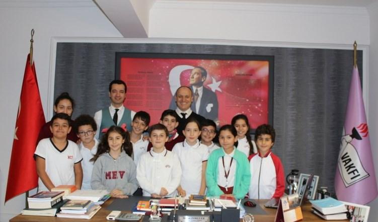 Bursluluk Sınavını Kazanan Öğrencilere Zorluer'den Özel Teşekkür