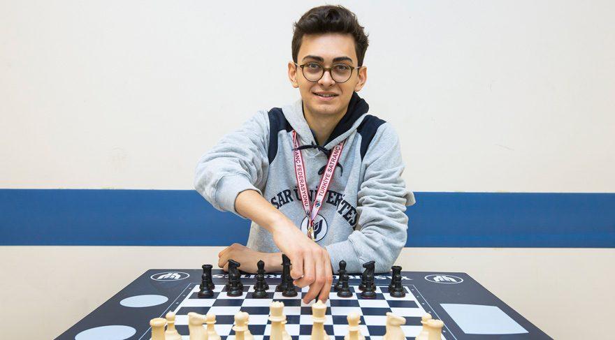 2016 Yılı Mezunumuz Vahap Şanal, Dünya Satranç Şampiyonu Carlsen'i Yendi
