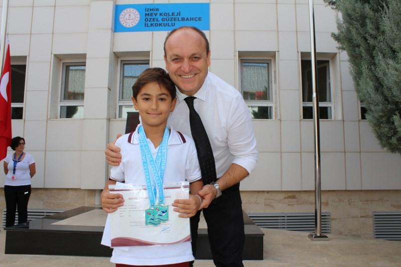Türkiye Şampiyonu Uras Efe'nin Başarısı Alkışlandı
