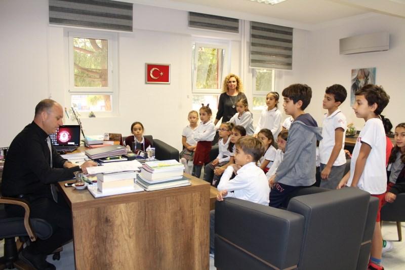 İlkokul ve Ortaokul Okul Öğrenci Meclisi Okul Müdürlerini Makamında Ziyaret Ettiler