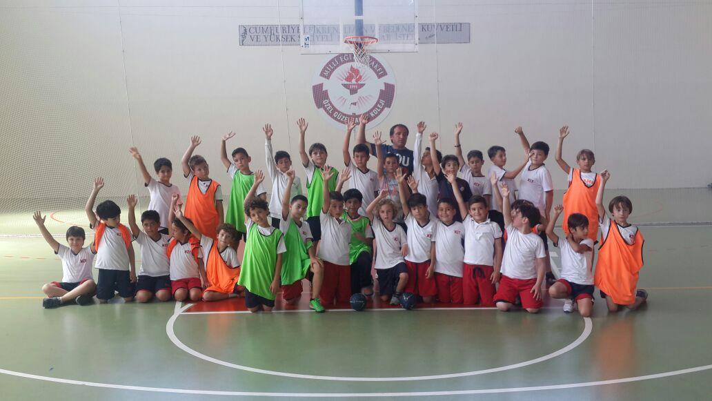 Minik Erkekler Hentbol Takımı 2015-2016 Sezonunu Kapattı