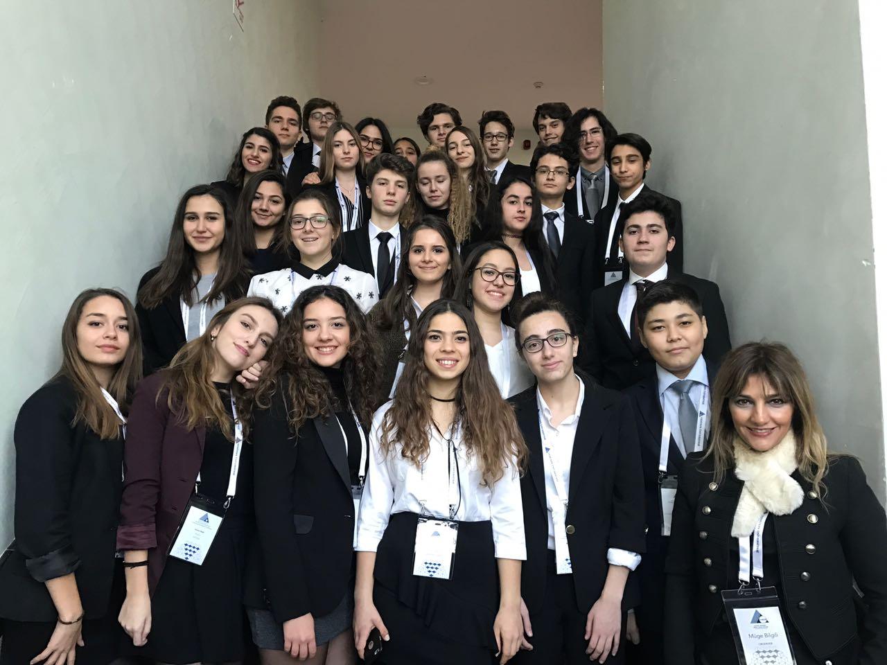 28 Öğrencimiz Y-MUN Konferansında Dünya Sorunlarına Kafa Yordu