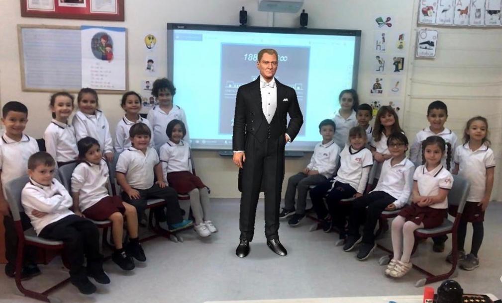 Atatürk 1. Sınıflarımızda