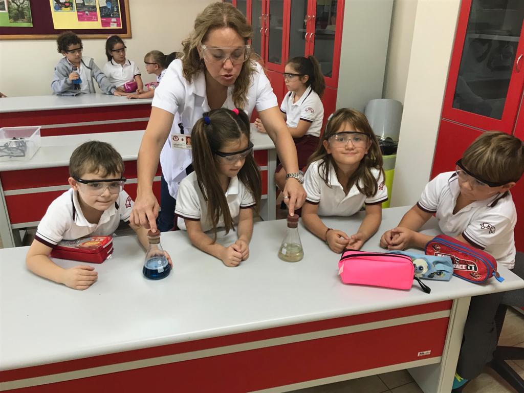 1 ve 2. Sınıflarımız Laboratuvar Dersinde