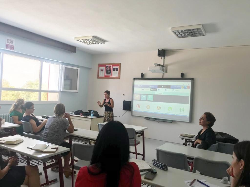 İngilizce Öğretmenlerimiz Hizmet İçi Eğitim Seminerlerine Devam Ediyor