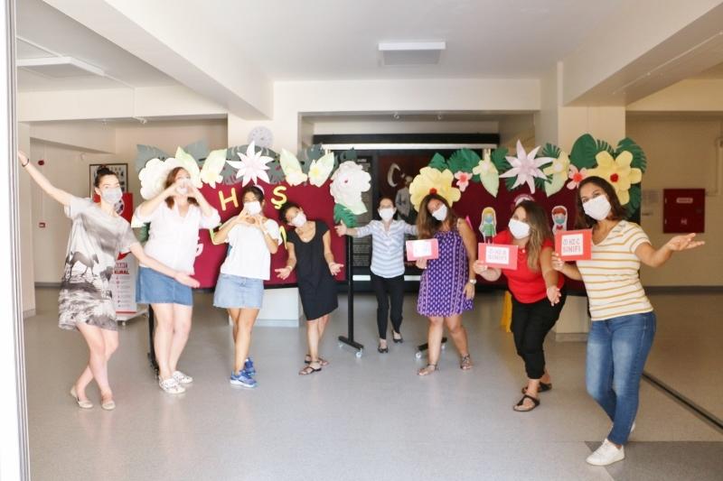 MEV Koleji Miniklerini Kucaklamaya Hazır