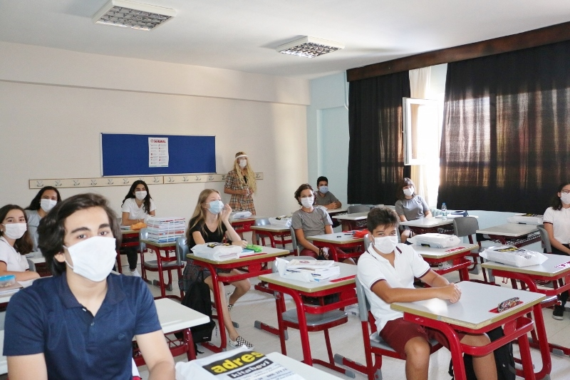 8 ve 12. Sınıf Öğrencilerimiz Ders Başı Yaptı