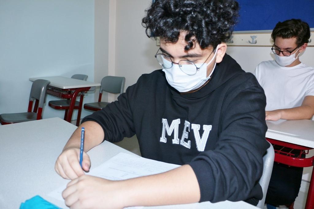 Anadolu ve Fen Lisesi 9 ve 10. Sınıf Öğrencilerimiz İlk Yazılı Sınavlarını Oldular