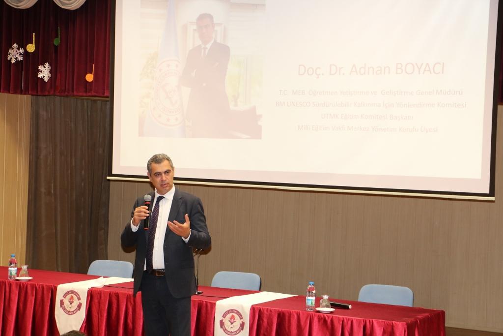 MEV Yönetim Kurulu Üyemiz Doç. Dr. Adnan Boyacı, Okulumuzda Öğretmenlerimizle Buluştu