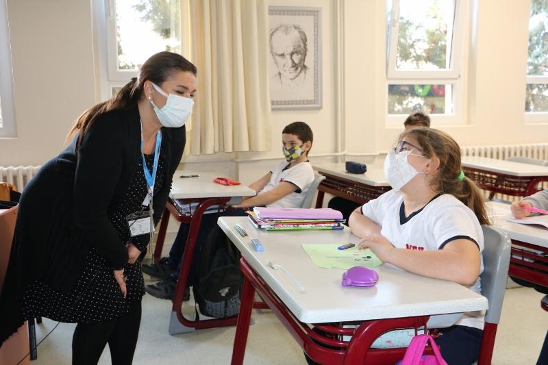 4. Sınıf Öğrencilerimize Ortaokul İngilizce Dersi Uyum Çalışması Yapıldı