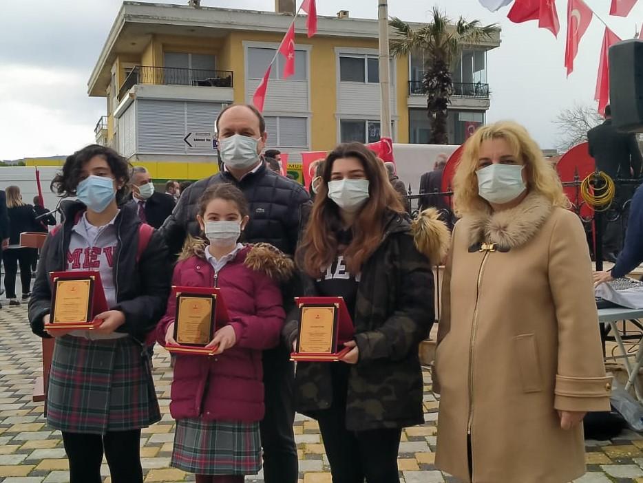 """Öğrencilerimiz """"18 Mart"""" Konulu İlçe Yarışmalarında da Dereceyle Döndüler"""