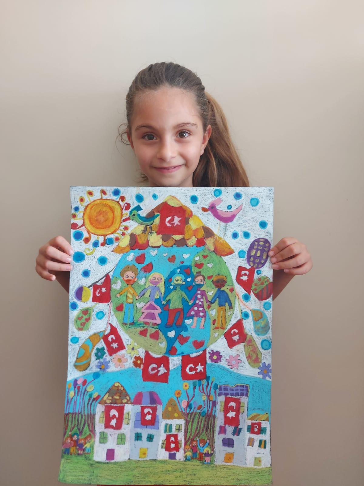 Deniz Ilgın Koç'un 23 Nisan Renklerine İzmir İkinciliği Ödülü