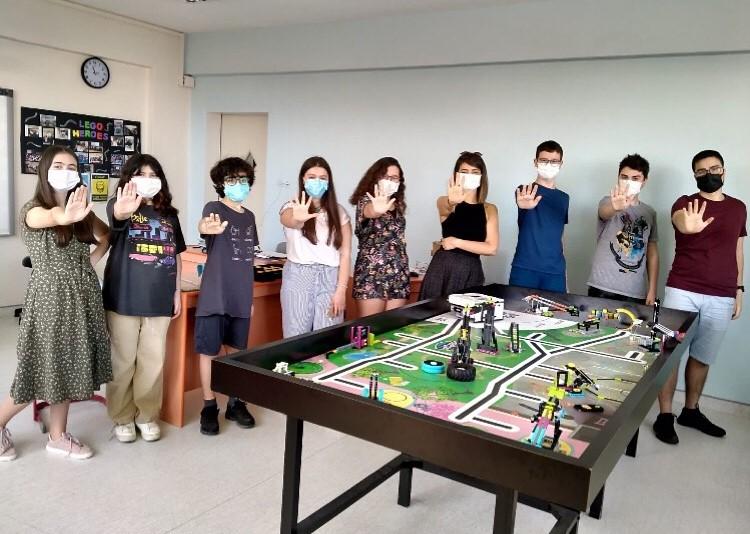 FLL Turnuvası Yenilikçi Proje Birincilik Ödülü Ortaokul Lego Heroes Kulübümüzün