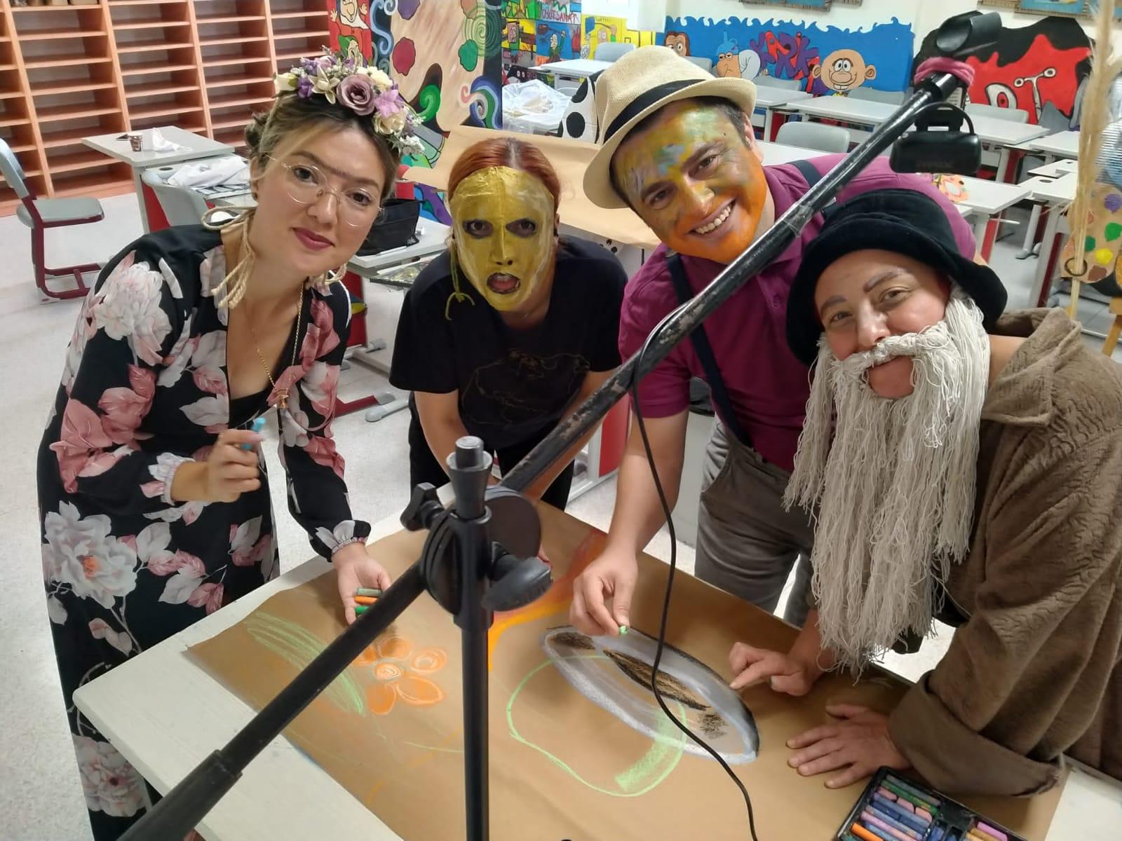 Sanat Günü Etkinliklerinde Öğretmenlerimiz Ünlü Ressamları Canlandırdı