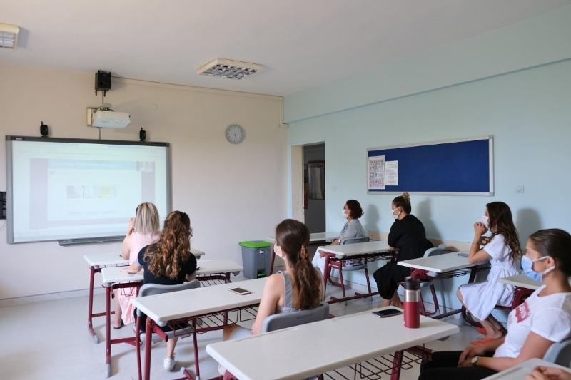 İngilizce Öğretmenlerimiz Aldıkları Seminerlerle Yeni Eğitim Öğretim Yılına Hazırlanıyor