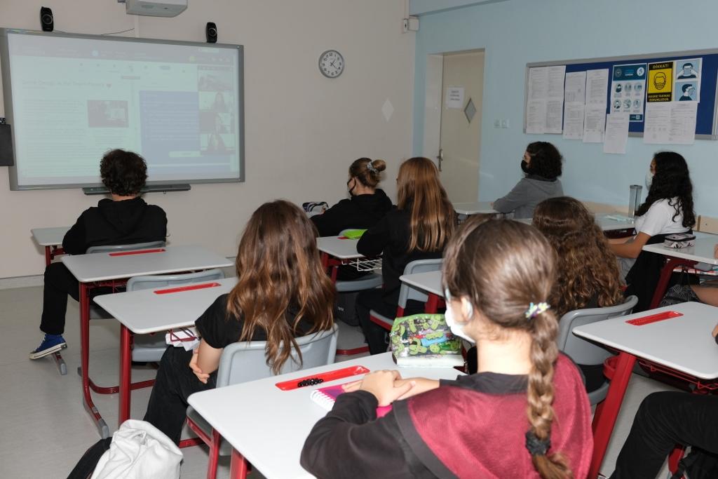 """9. Sınıflarımıza Çevrim içi Platform """"Globed Achieve3000"""" Hakkında Bilgi Verildi"""